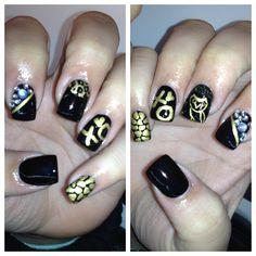 Black and gold #nailart xo owl