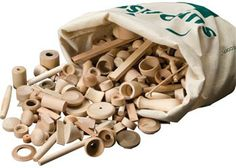 Surprise Bag. This is an environmentally friendly and sustainable set of wooden blocks. This set of wooden blocks is made from reclaimed wooden pieces, and weighs 4kg.