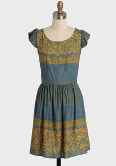 India Nights Printed Dress from ShopRuche Modern Vintage Dress, Vintage Inspired Dresses, Vintage Dresses, Modern Fashion, Trendy Fashion, Fashion Outfits, Trendy Style, Women's Fashion, Pretty Outfits