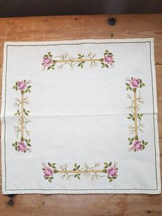 Lovely floral embroidered offwhite tablecloth in good condition, spotless. The size is: 20 x 20 The material is linen, cottonthread International shipping Contact me if you have questions Also offer combined shipping and refunding shipping overages Thank you for visit my vintage shop