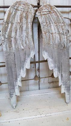 Escultura de pared de madera grandes alas grises angustiado