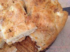 Τυρόπιτα σπιτική κάπως αλλιώς... με φύλλα ανοιγμένα στο χέρι χωρίς πλάστη, σαν μπουγάτσα! Η τυρόπιτα της Κυριακής αγαπημένη της... Greek Cooking, Spanakopita, Greek Recipes, Health Diet, Tart, Food And Drink, Cooking Recipes, Bread, Cheese