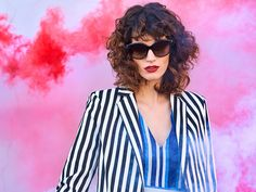 We'll serve the shades while you serve the looks. Take fab to a whole new level in Tiffany & Co. frames from the best sellers collection at Sunglass Hut. Dope Fashion, Fashion Tips, Fashion Trends, Sunglass Hut, Best Sellers, Oakley, Tiffany, Sunglasses Women, Frames