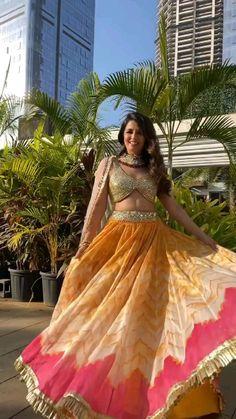 Fashion Show Dresses, Indian Fashion Dresses, Dress Indian Style, Indian Designer Outfits, Stylish Dresses, Lehnga Dress, Bridal Lehenga Choli, Indian Lehenga, Wedding Lehenga Designs