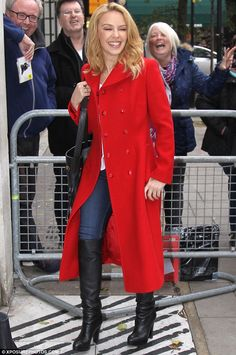 Lady in red.again: It seems that Kylie Minogue has more than one stylish way to combat the cold snap in London, as she debuted yet another swish red jacket as she headed to the BBC studios in London Fashion For Petite Women, Curvy Fashion, Fashion Fall, Work Wardrobe, Winter Wardrobe, Capsule Wardrobe, Kylie Minogue X, Coats For Women, Jackets For Women