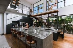 Manchester-born Jack Morris and his Australian girlfriend of three years Lauren Bullen purchased the plot of land in 2018 and began conjuring up their idyllic home. Dream Home Design, Modern House Design, Home Interior Design, Loft Design, Glass House Design, Build Dream Home, My Dream Home, Bali Style Home, Tyni House