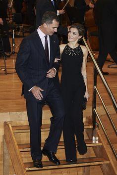 Kate Middleton Wardrobe Malfunction | POPSUGAR Fashion
