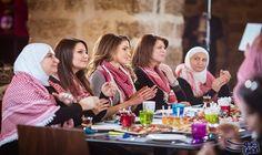 """الملكة رانيا تلتقي ناشطات على """"فيسبوك"""" وتشيد…: أعربت زوجة العاهل الأردني الملكة رانيا العبدالله، الأربعاء، عن فخرها بوجود مجموعة من السيدات…"""