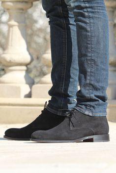 Jules & Jenn - Les Desert Boots cuir daim noir #fashion #mode #durable #boots #men • www.julesjenn.com