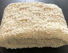 EASY Chunky Basketweave Baby Blanket FREE KNITTING PATTERN – Peach Unicorn Designs - Knitting & Crochet Patterns Beginner Knitting Patterns, Chunky Knitting Patterns, Baby Hats Knitting, Knitting For Beginners, Free Knitting, Crochet Patterns, Baby Patterns, Knitting Designs, Knitting Projects
