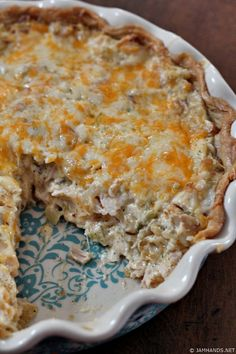 Hot chicken salad was something I'd never tried up until I made this tasty Hot Chicken Salad Casserole. It was as comforting and deliciou… Hot Chicken Salads, Chicken Recipes, Cooked Chicken, Chicken Casserole, Casserole Recipes, Family Meals, Family Recipes, Greens Recipe, Recipes