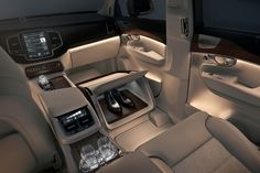 161487_volvo_xc90_excellence_lounge_console