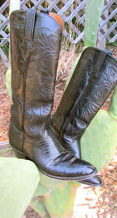 """Vintage Handmade Luxury  """"Lucchese Classic"""" Women's Cowboy Boots"""