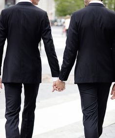 How This Gay Couple Tricked A Homophobic Pizza Place #refinery29 http://www.refinery29.com/2015/09/94870/memories-pizza-indiana-gay-wedding-cater