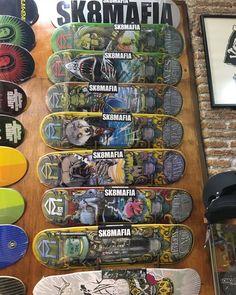 Nuevos TABLONES Sk8Mafia... Diseños BRUTALES! ENVIOS 24 HORAS AQUI:  WWW.DISASTER.ES.   Pago contra reembolso  en casa o con tarjeta   WWW.DISASTER.ES  Estamos en calle Córdoba Soho Málaga  @disasterstreetwear@theplacesoho  #streetwear #malaga #disasterstreetwear #theplacesoho #skate #skateshop #sk8mafia