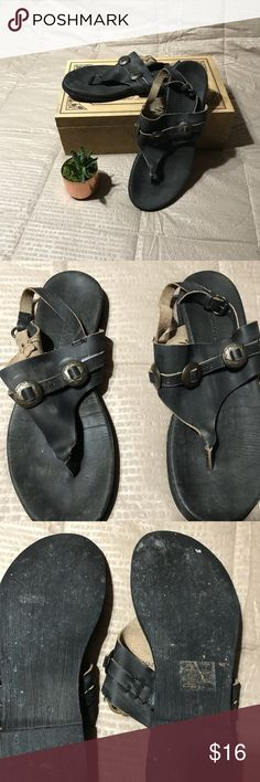 Muse & Cloud sandals brown sz 10 Boho Western style leather sandals size 10. In EUC. Bottom is not dirty, that is how they are supposed to be. You can still see the embossed emblem in the last photo. Like new. They say size 10 and Euro size 41. Musse & Cloud Shoes Sandals