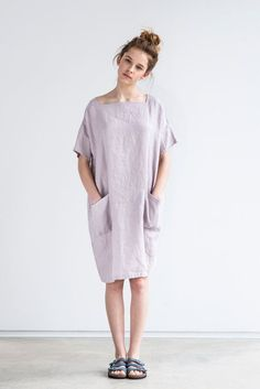 Oversized/one size square neck loose fitting linen summer dress in dusty pink/pale pink (ashes of rose): https://ad.zanox.com/ppc/?29145110C1834987454&ulp=[[https://www.etsy.com/listing/270673355/oversizedone-size-square-neck-loose]]