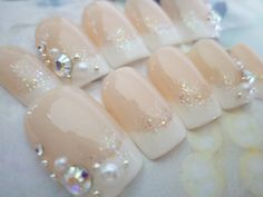 I would totally wear these nails. They are casual and classy. Bridal Nails Designs, Wedding Day Nails, Manicure, Kawaii Nails, Happy Nails, Bride Nails, Crystal Nails, Cool Nail Designs, Perfect Nails