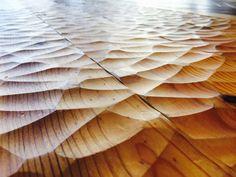 ボルドーパイン 一枚もの スプーンカット(手斧がけ)加工 無垢フローリング #Pine #SpoonCut #Flooring