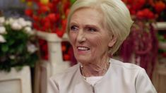 Classic Mary Berry: How To Make Sticky Chicken (Episode Big Meals, Meals For Two, Mary Berry Cooks, Dover Sole, Raspberry Mousse, Sticky Chicken, Romantic Meals, Roast Duck, Great British Bake Off