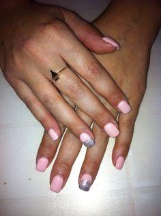 Ricostruzione unghie rosa chiaro