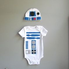 r2d2 onesie and hat... i think i might have pinned this already