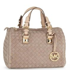 Fashion Designers | Designer Handbags | Casual Outfits Michael Kors Handbags #Michael #Kors #Handbags, Michael Kors Outlet Supply High Quality Bags, 2015 Cheap Michael Kors Big Discount From Here.