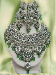 Green Necklace Set - Bollywood Indian Jewellery -perfect with saree