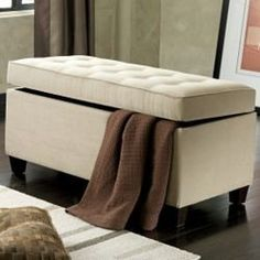 Like The Idea Of A Hidey Hole Foot Bed Bench To Stash Throw Pillows Bedroom