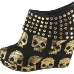 I love all the shoes from Iron Fist Footwear, I want the first pair with gold skulls. Ugly Shoes, Shoes Heels Boots, Wedge Shoes, Heeled Boots, Crazy Shoes, Me Too Shoes, Skull Shoes, Kawaii Shoes, Barbie Shoes