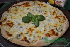 Pizza Quattro Formaggi Pizza, Quiche, Cheese, Homemade, Breakfast, Food, Home, Hoods, Diy Crafts