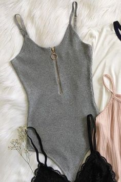 There is 0 tip to buy jumpsuit, bodysuit, grey, knitwear. Help by posting a tip if you know where to get one of these clothes. Summer Outfits, Casual Outfits, Cute Outfits, Fashion Outfits, Womens Fashion, Grey Bodysuit, Bodysuit Dress, Bodysuit Fashion, Body Suit Outfits