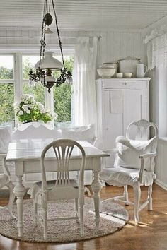 Home Dining Room Decor Shabby chic Living room Coffee table Design White Furniture Shabby Chic Dining Room, Chic Living Room, Shabby Chic Kitchen, Shabby Chic Furniture, Country Kitchen, Shabby Chic Mode, Shabby Chic Style, Shabby Chic Decor, Shabby Chic White