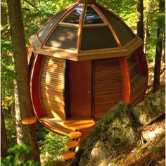 Tree house - Oh. My. Gosh. I want one! Not for the kids...for me! :)