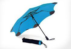 折りたたみなのに風速20mにも耐えられる!空気力学フォルムを持つ傘 「BLUNT XS_METRO (ブルー)」