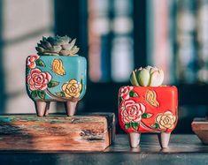 Set of 2 - beautiful flower style ceramic planter, succulent planter . - Set of 2 – beautiful flower style ceramic planter, succulent planter, ceramic plan … – - Flower Planters, Flower Pots, Flower Ideas, Ceramic Pottery, Ceramic Art, Ceramic Decor, Ceramic Planters, Planter Pots, Planter Ideas
