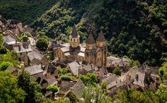 L'abbatiale Sainte-Foy de Conques dans l'Aveyron