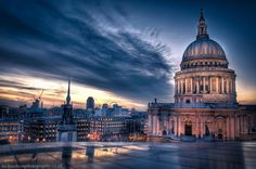 Sunset over St Paul's Cathedral: Mr Jackson's distinctive photography techniques captures every detail of this rich cityscape Web Design London, London Postcard, Great Fire Of London, Last Minute Travel, Famous Landmarks, London Landmarks, London Photography, Night Photography, London Photos