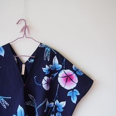 HMJ2017に向けテンパりながらも追い上げて作ったトップスの柄が何とも好みでした #kimono #kimonofashion #craftsmanship #upcycledfashion #upcycledclothing #refashion #rikashioyaboutique #creema #oneoff #oneofakind #着物 #着物リメイク #銘仙 #浴衣 #浴衣リメイク #世界にひとつだけ #世界に一つ #ハンドメイドインジャパンフェス #handmadeinjapanfes #クラフトイベント #夏のイベント #イベント #handmade #ハンドメイド #手作り #クラフト #東京ビッグサイト #hmj2017