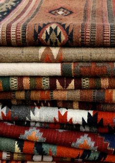 Navajo textiles I have some we brought home from out West. Southwest Decor, Southwest Style, Southwestern Decorating, Southwest Bedroom, Indian Blankets, Mexican Blankets, Navajo Rugs, Navajo Weaving, Navajo Fabric
