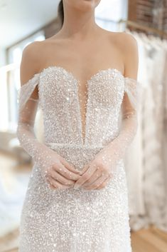 Bridal Gowns Off Shoulder Couture Collection Ideas Black Wedding Dresses, Bridal Dresses, Wedding Gowns, Wedding Corset, Bridesmaid Dresses, Modest Wedding, Lace Dress With Sleeves, The Dress, Princess Ball Gowns