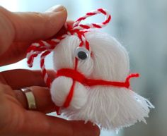DIY-Pferdekopf-Verzierung vom Thread - My most creative diy and craft list Christmas Ornament Crafts, Holiday Crafts, Christmas Crafts, Merry Christmas, Christmas Decorations, Kids Crafts, Diy And Crafts, Pom Pom Crafts, Yarn Crafts