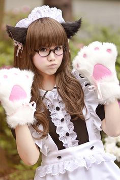 Anime Maid Cosplay costumes seem the same as the cosplay shows. The Cosplay accessories also look cute.