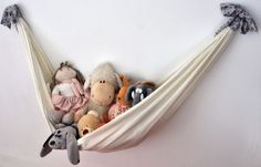Cute way to display favourite dolls or stuffies...