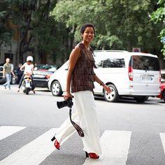 Tamu McPherson keeping it fringy during #MMFW #SS16 #catchatrend #streetstyle #fashionweek #milanmensfashionweek #fringes