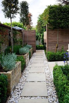 Brilliant Tips for Decorating Your Beloved Backyard Patios or Outdoor Terraces -., Brilliant Tips for Decorating Your Beloved Backyard Patios or Outdoor Terraces - Amazing ! Backyard garden landscaped garden, stone, pavers, an. Backyard Garden Design, Small Backyard Landscaping, Small Garden Design, Small Patio, Modern Backyard, Narrow Patio Ideas, Fence Garden, Backyard Designs, Concrete Backyard