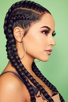 If you can prove yourself artistic once, it is not necessary to tell how will be another motive about your mentality. And get the best opportunity for that in this New Year. Click here, and you are going to get Artistic Braided Hairstyles for Black Girl. #braidedhairstylesforblackgirl #braidedhairstylesforblackgirlcornrows #braidedhairstylesforblackgirlwithweave