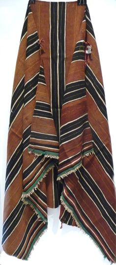 Africa | Ait Hadiddou Berber woman's coat ~ Tabendirt ~ High Atlas, Morocco | Wool.  ca. mid 20th century.