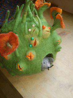 Frühling in Filz by schoenefarben, via Flickr