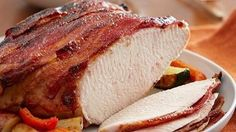 Turkey Breast w/Bacon and Guava Glaze http://www.quericavida.com/recipes/turkey-breast-with-bacon-and-guava-glaze/2f35b663-e6df-4d52-a5da-91a25366d670/?utm_source=email_newsletter&utm_medium=email&utm_campaign=fy16newsletterappetizingwaysengagedengMartha Salas Don't be afraid to prepare the long-awaited Thanksgiving turkey. With just one turkey breast, guava, bacon and brown sugar, you will enjoy your Thanksgiving dinner to the fullest with no issues!